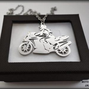 přívěšek lady biker motorkářka ocel